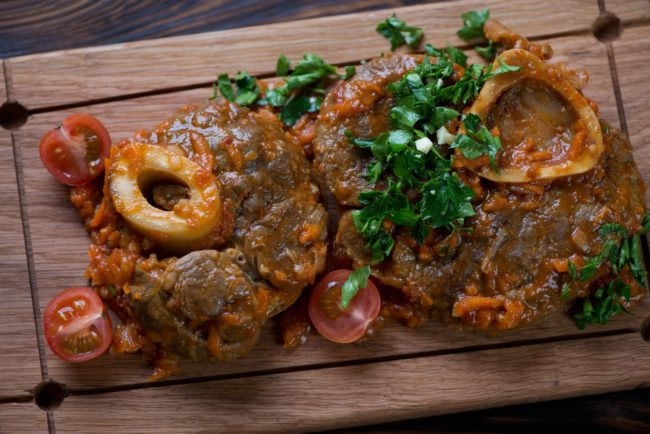8x stoofvlees recepten - © Betty's Kitchen - ossobuco recept kalfsschenkel uit milaan betty's kitchen