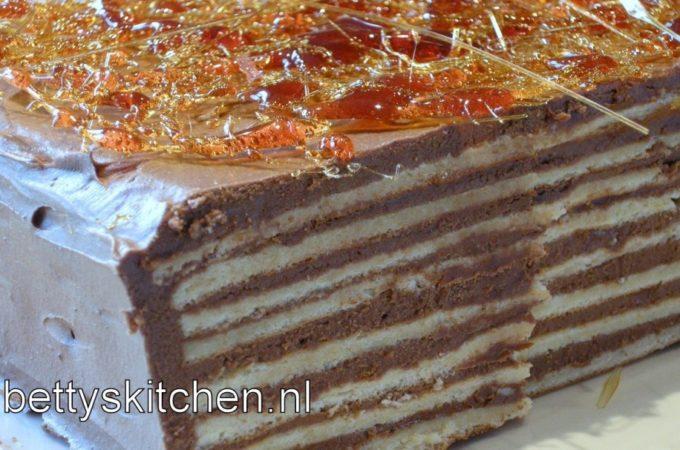 Dobos Torta (chocolade laagjes taart)