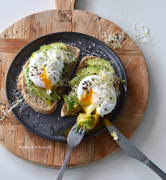 15x paasrecepten met eieren © bettyskitchen - recept voor gepocheerd ei maken ontbijt betty's kitchen
