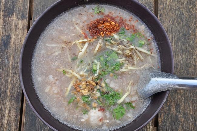 Soto Ajam Indonesische kippensoep met rijst