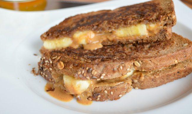 sandwich met banaan en pindakaas © bettyskitchen