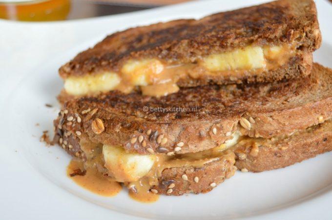 Sandwich banaan met pindakaas