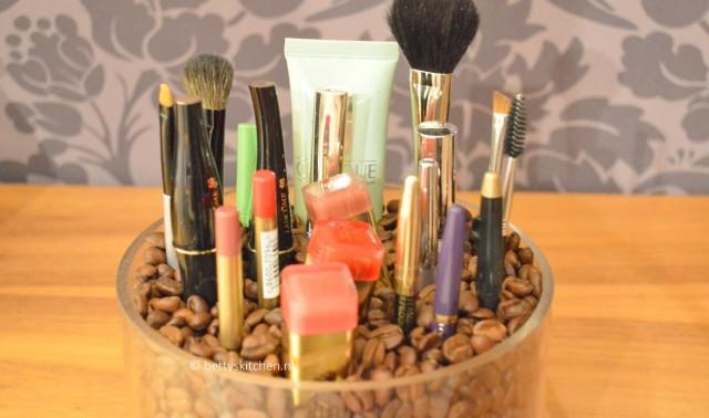 DIY: Make up organizer