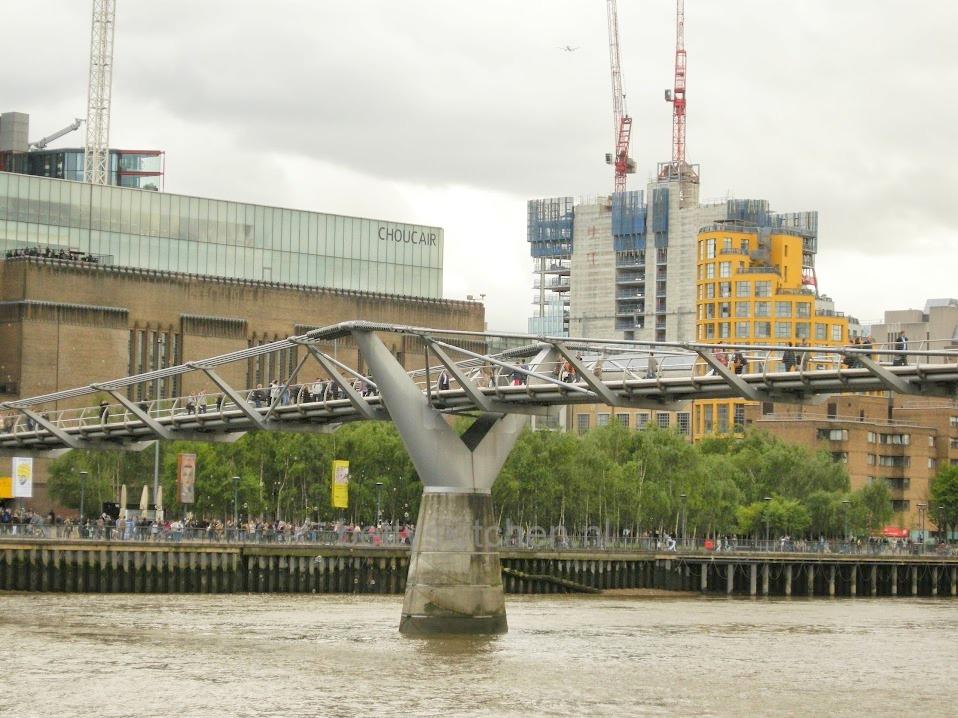 Millenium Bridge-001