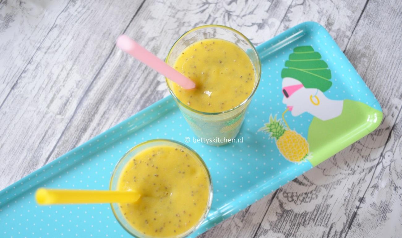 Tropische Mango Smoothie met kokoswater