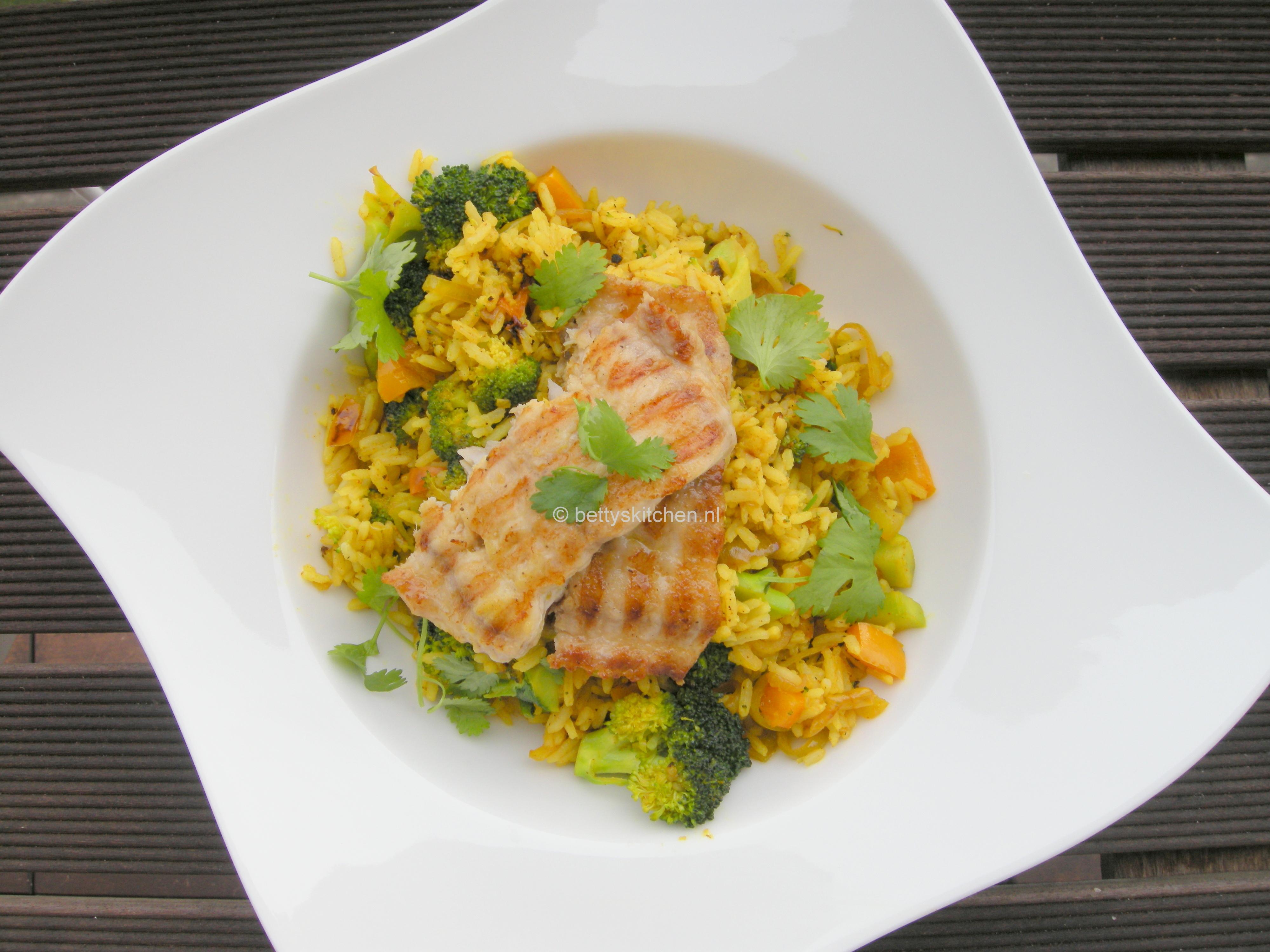 Gewokte rijstschotel met claressefilet 4-001