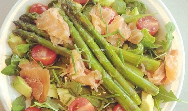 Zalm en asperge salade