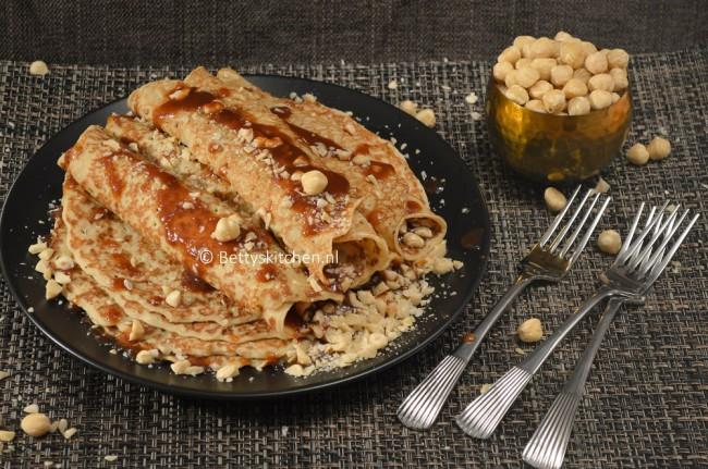 recepten_met_pannenkoeken_hazelnoten_karamelsaus