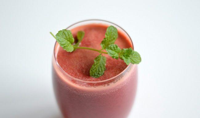 Pittige rode bieten juice