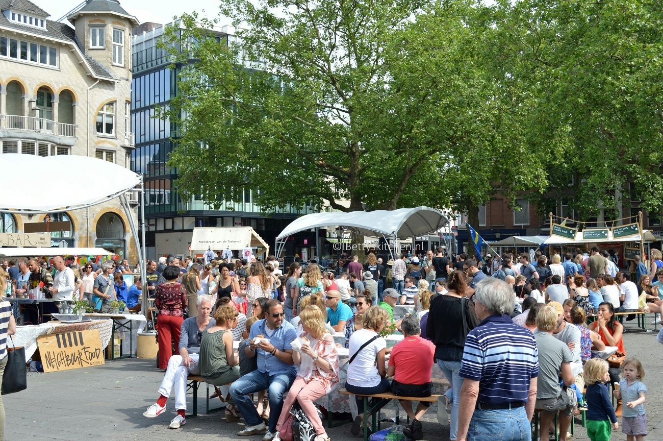 Neighbourhood Food Market in Utrecht