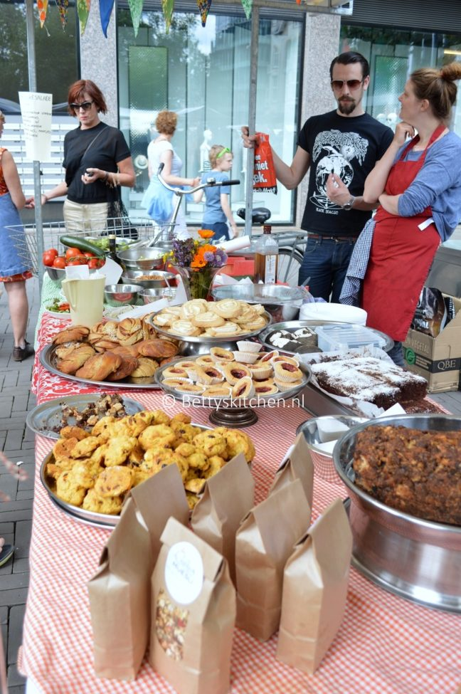 neighbourhood_food_market_in_utrecht_6-001