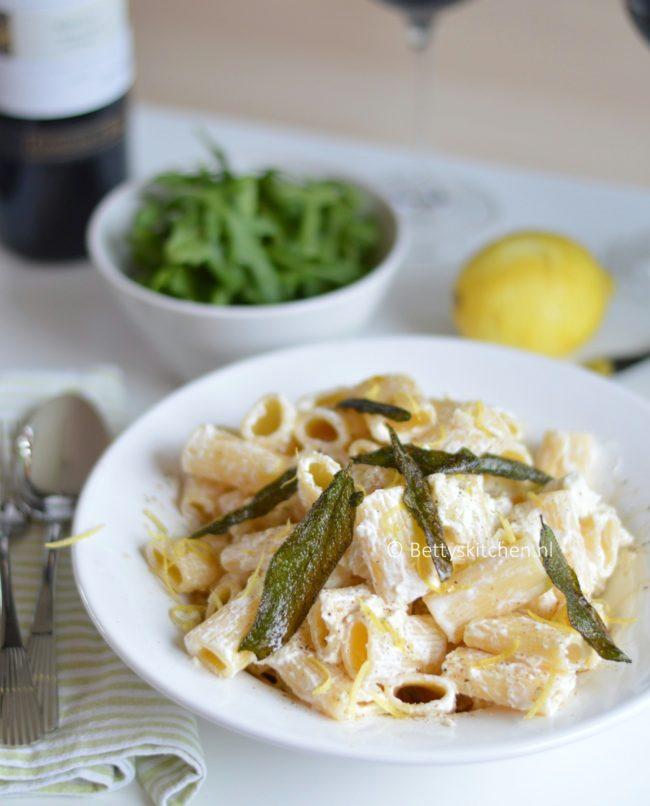 10x Vegetarische Pasta Recepten -pasta met drie kazen en salie recept betty's kitchen