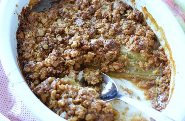 Glutenvrije Rabarber Crumble met Havermout