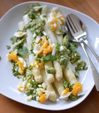 gestoomde witte asperges met kruidendressing betty's kitchen