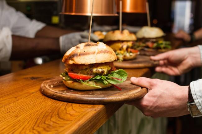 snapper_resto_bar_amsterdam_badass burgers