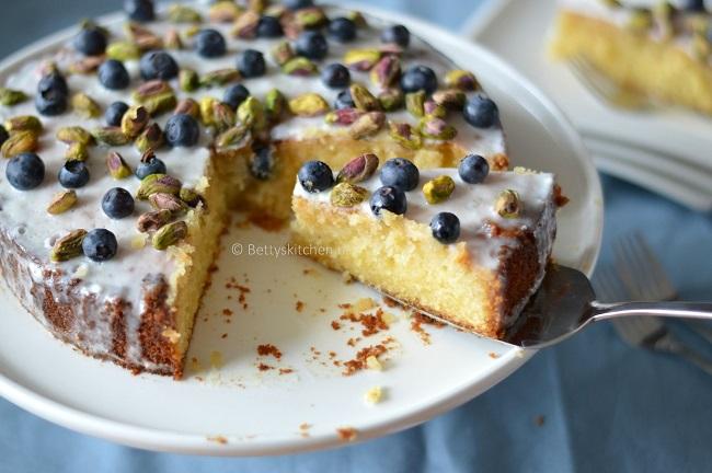 Glutenvrije citruscake met blauwe bessen