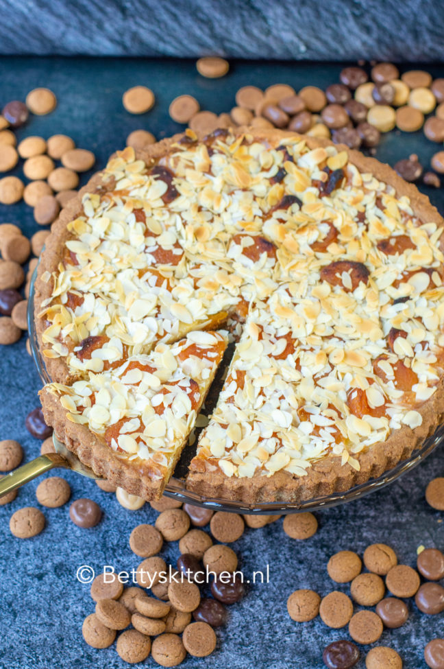 speculaastaart met abrikozen voor sinterklaas viering © bettyskitchen