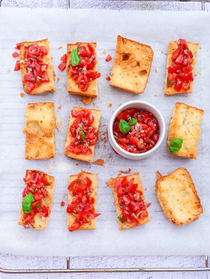 recept bruschetta met tomaten en basilicum © bettyskitchen.nl