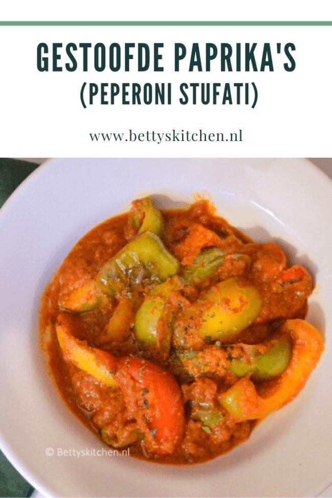 recept voor gestoofde paprika's in tomatensaus peperoni stufati italiaans bijgerecht