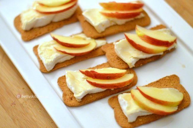 Hollandse borrelplank met toastjes van Melba