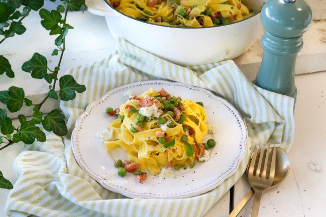 recept pasta met zalm en boursin