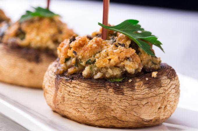 Gevulde champignons met broodkruim (uit de oven)