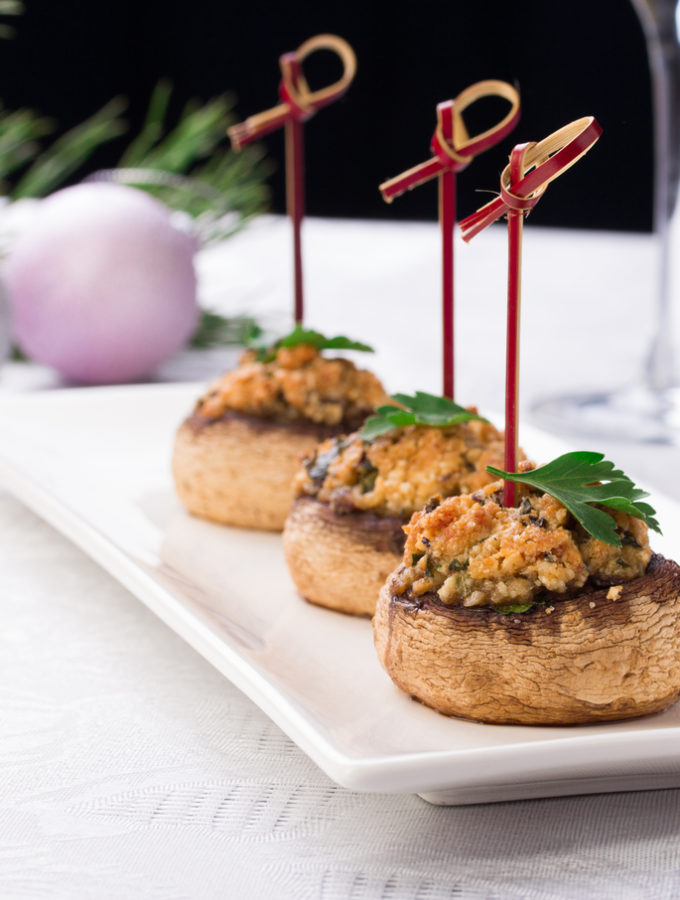 gevulde champignons met broodkruim