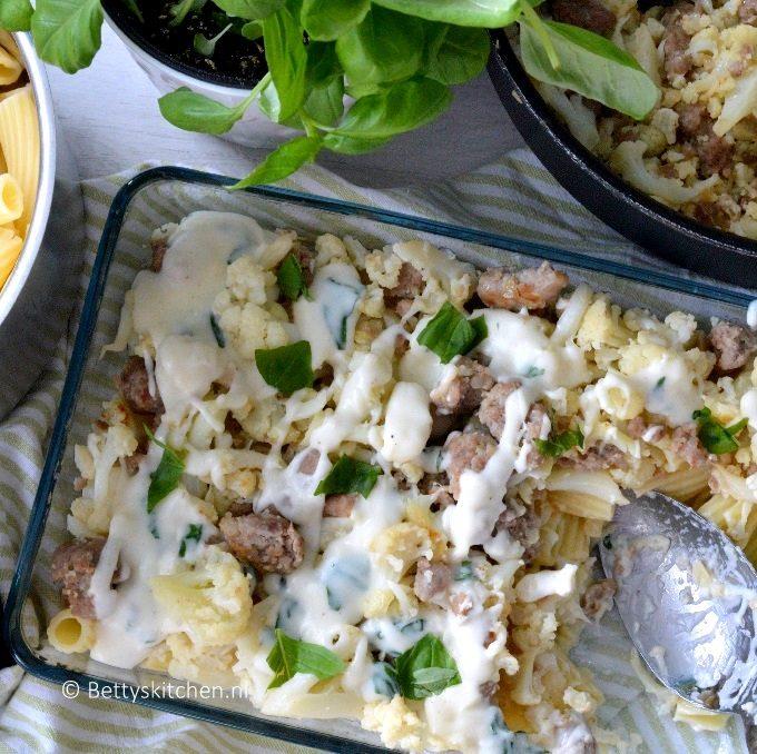 pasta met bloemkool, worst en bechamelsaus recept bettyskitchen