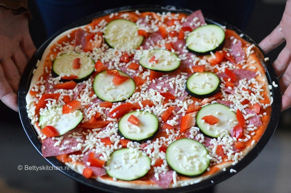 Zelf pizzadeeg maken!