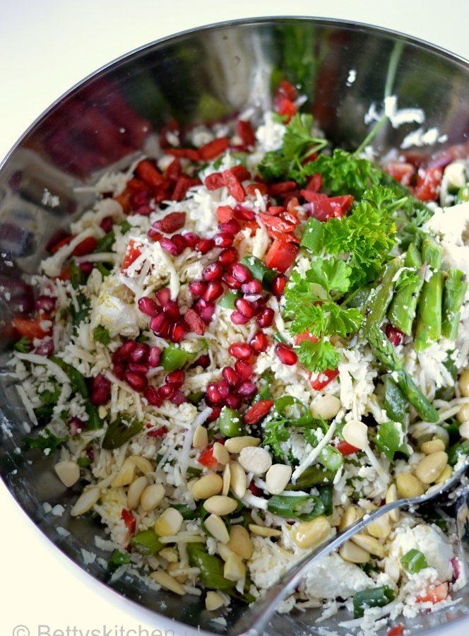 recept rauwe bloemkoolsalade met asperges © bettyskitchen.nl
