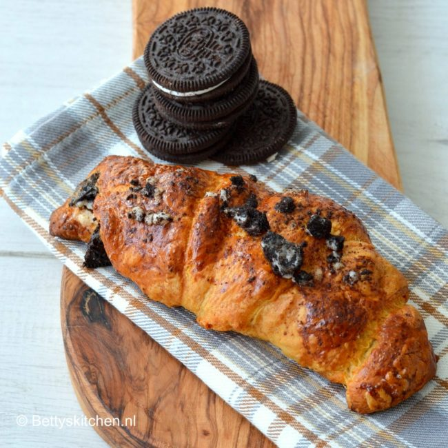 recept croissants met oreo's en chocolade © bettyskitchen