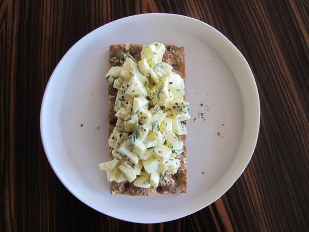 8x_gezonde_lunch_met_crackers_eiwit_salade