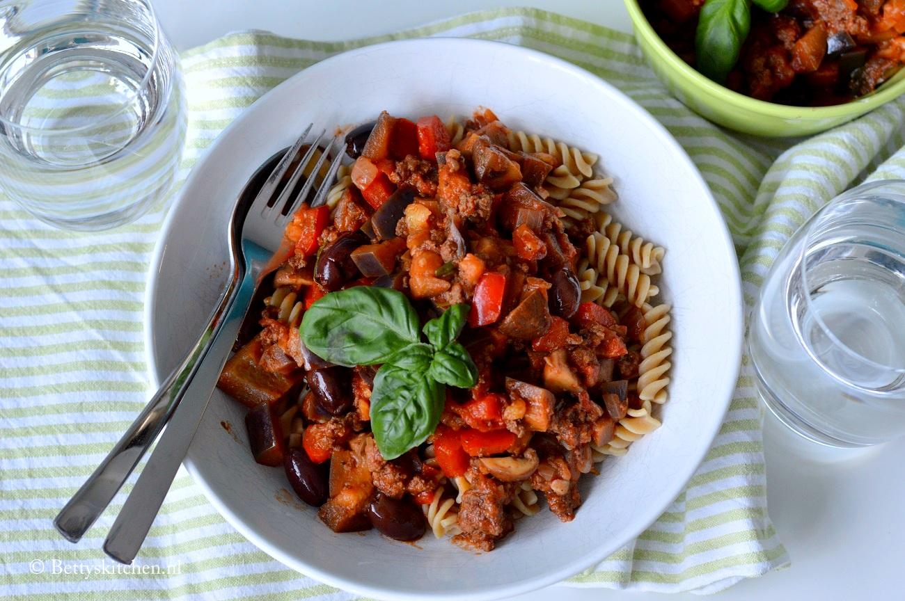 Caponata – gestoofde aubergines met gehakt