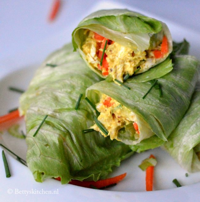 10x low carb gerechten voor lunch of diner - sla wraps met homemade kip kerry