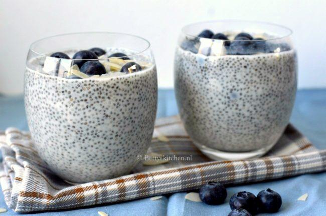recept chiazaad pudding met blauwe bessen © bettys kitchen