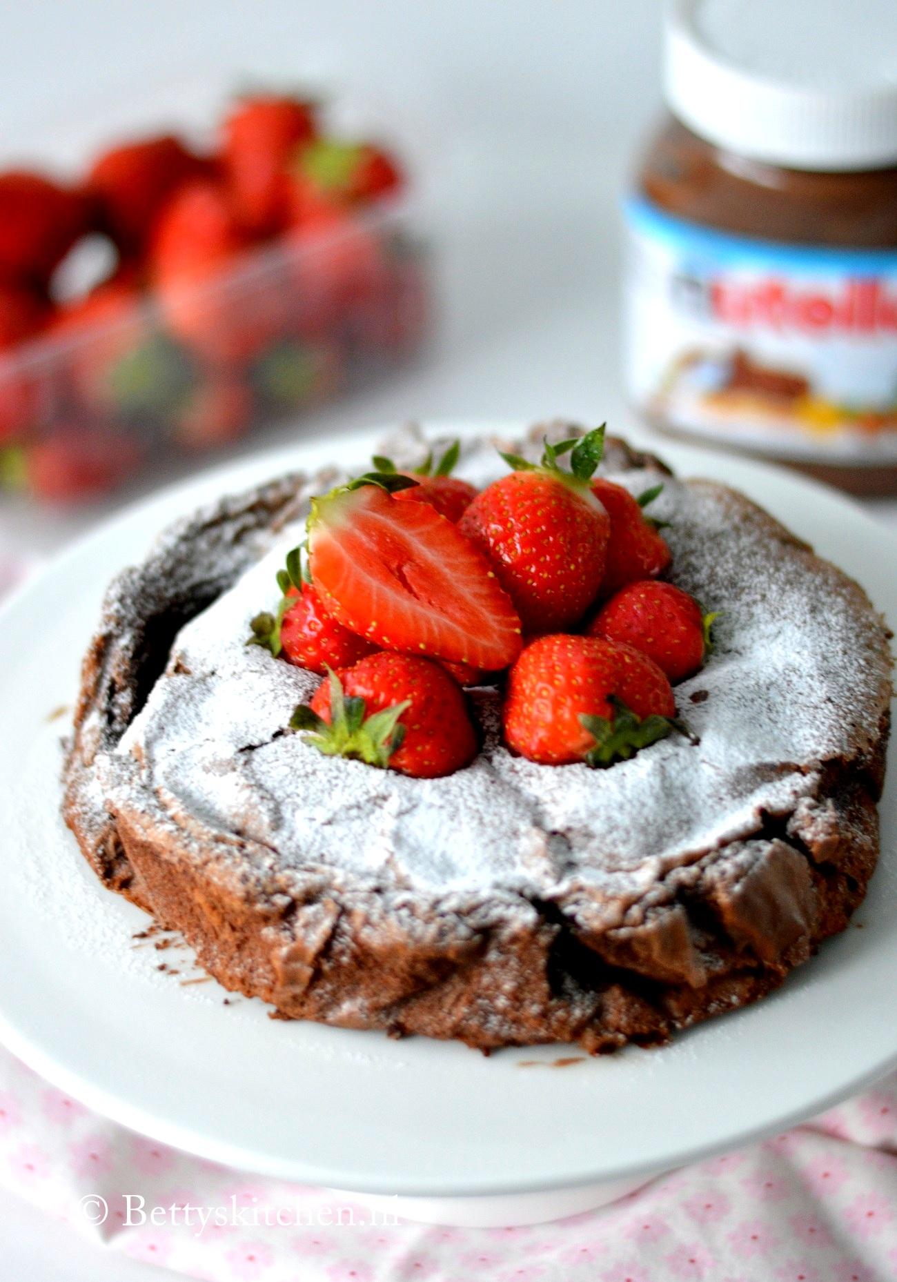 Filmpje: Nutella Brownie Taart met slechts 3 ingredienten ...