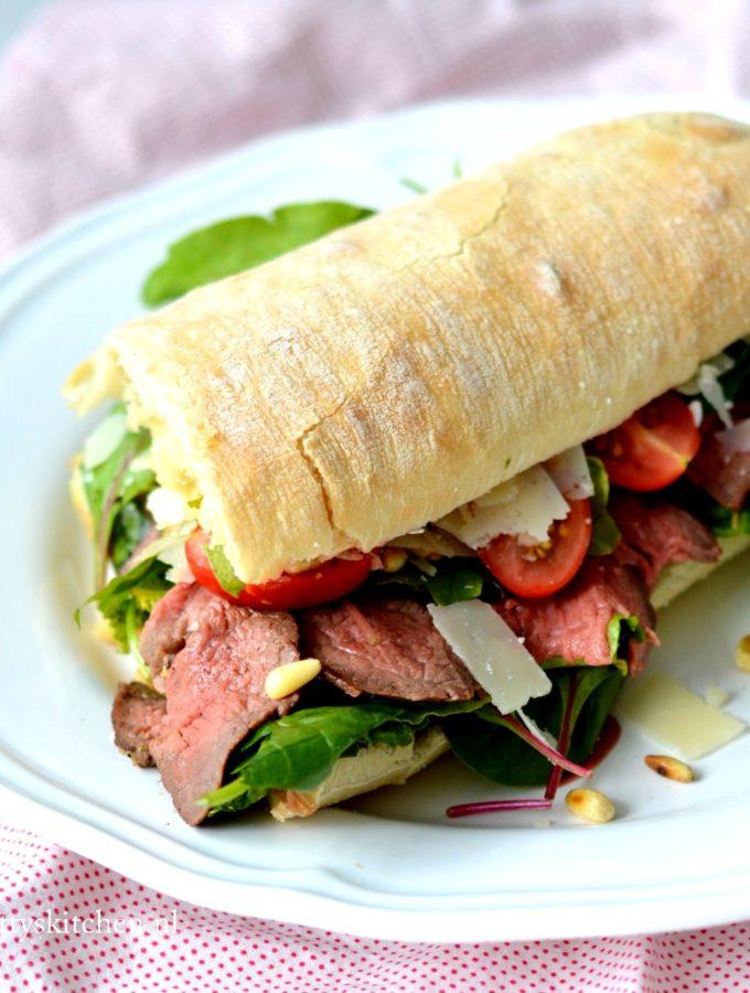 recept broodje rosbief met sla en truffelmayonaise