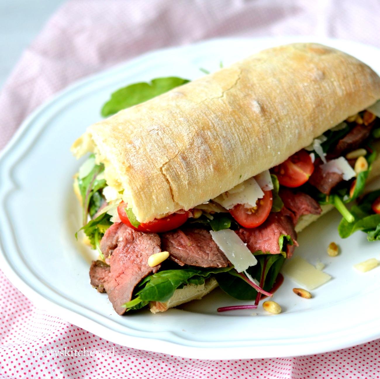 Fabulous Broodje Rosbief met truffelmayonaise| Betty's Kitchen &BQ24