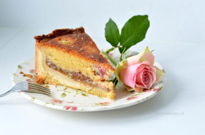 Rabarbertaart met Frangipane en rozensiroop