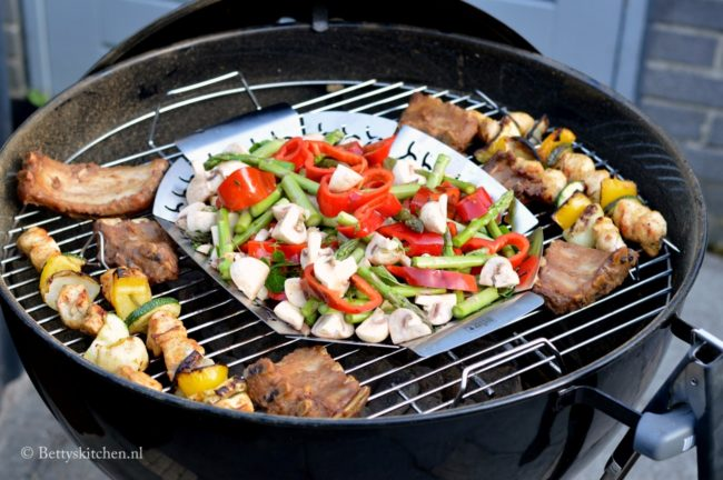 review_weber_original_kettle_57_BBQ_header-001