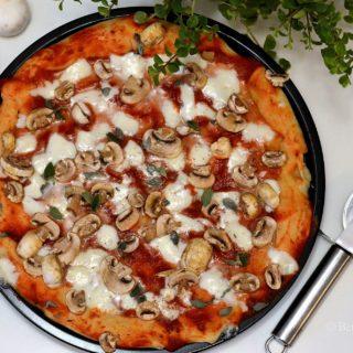 pizza ai funghi (met champignons) recept