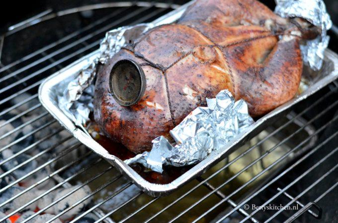 Copas kip op de BBQ bereiden