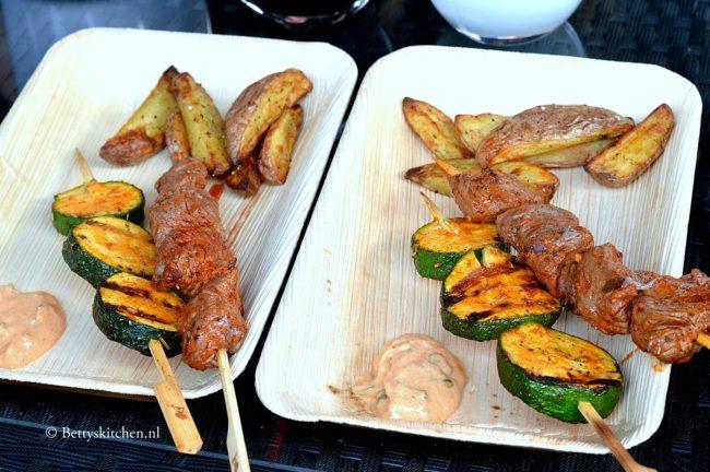 Rosbief spiesen met paprika aioli grillen barbecue