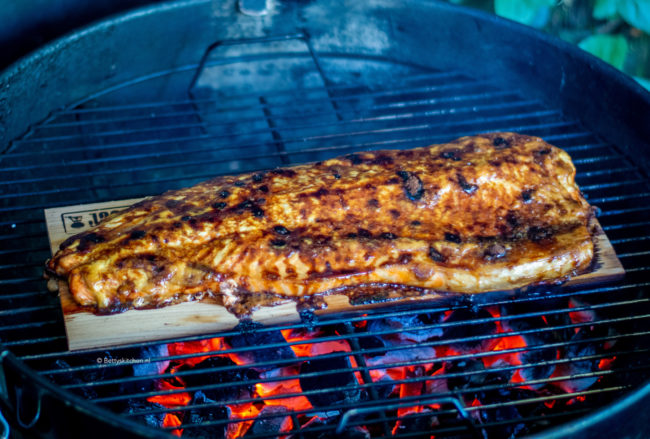 20x barbecue recepten - gerookte zalm van de bbq!