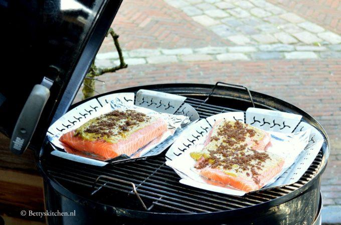 Zalm grillen op de barbecue