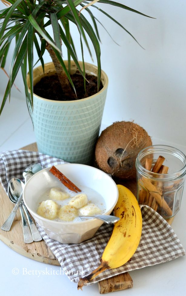 Banaan in kokosmelk (Thais dessert)
