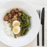 recept voor kip met pindasaus, boontjes en rijst