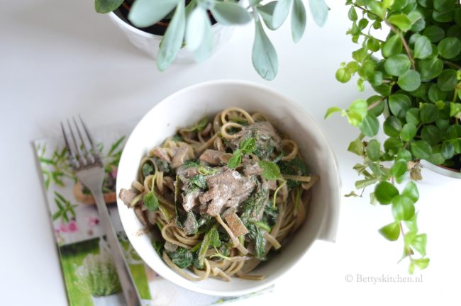 6 redenen om regelmatig spinazie te eten