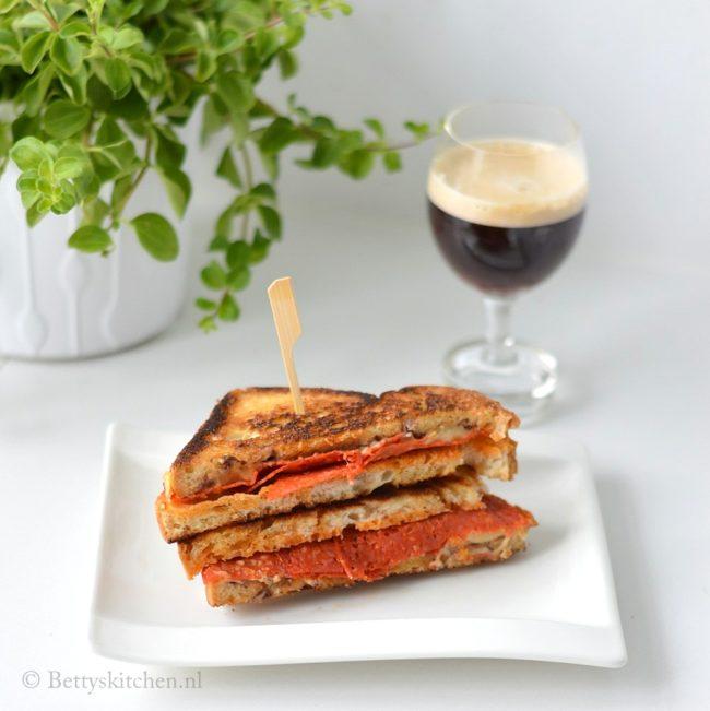 4x tosti's uit de pan met een Europees tintje
