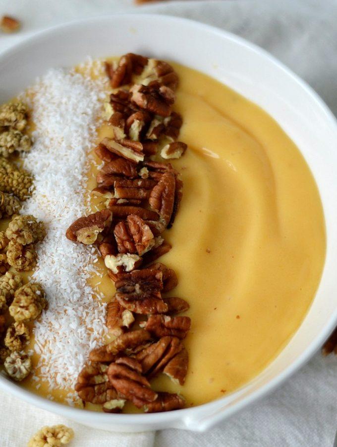 smoothie bowl met mango en kokoswater